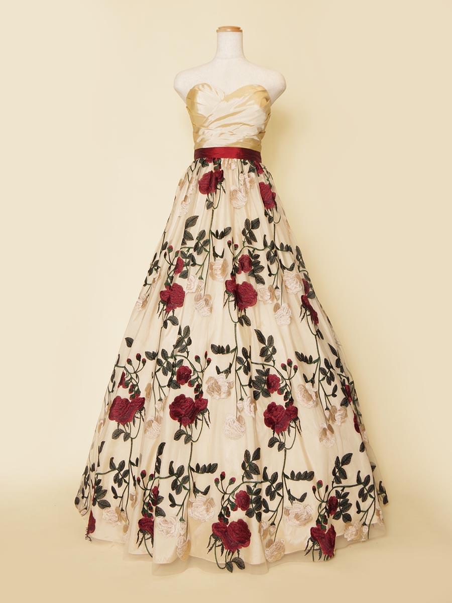 大きなバラの花柄刺繍を使ったメルヘンチックな演奏会ロングドレス