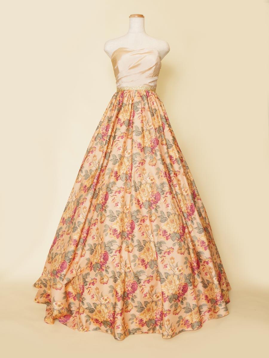 チェンバリストの方にオススメなお花畑のようなクラシカルで温かみのある花柄プリントドレス