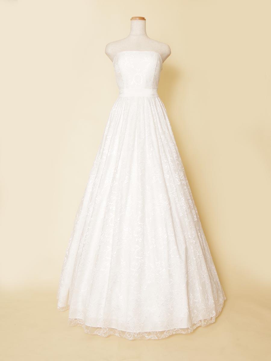 軽やかに着こなせる!肌触りの良い総レースを使用したウェディングホワイトロングドレス