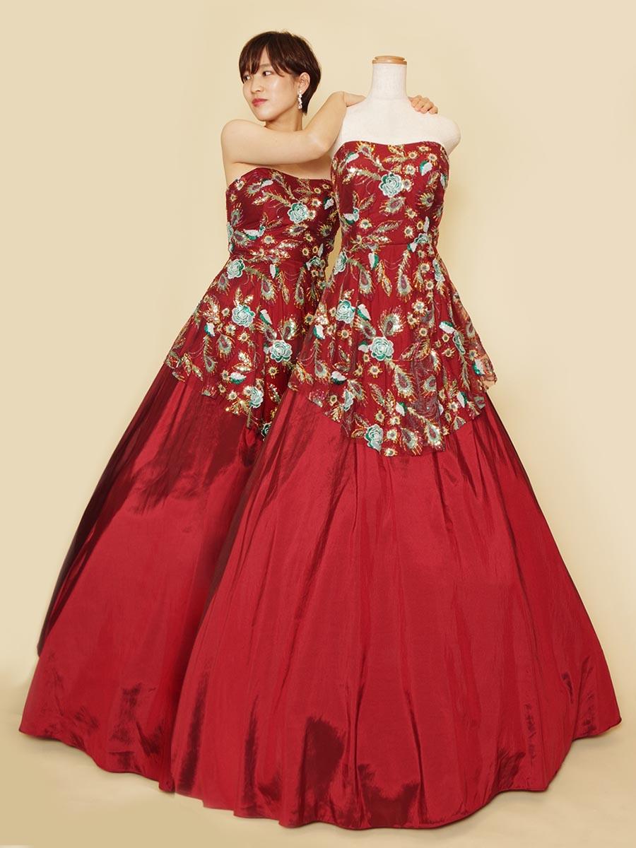 シックなワインレッドをベースカラーに花柄スパンコールを重ねたステージボリュームドレス
