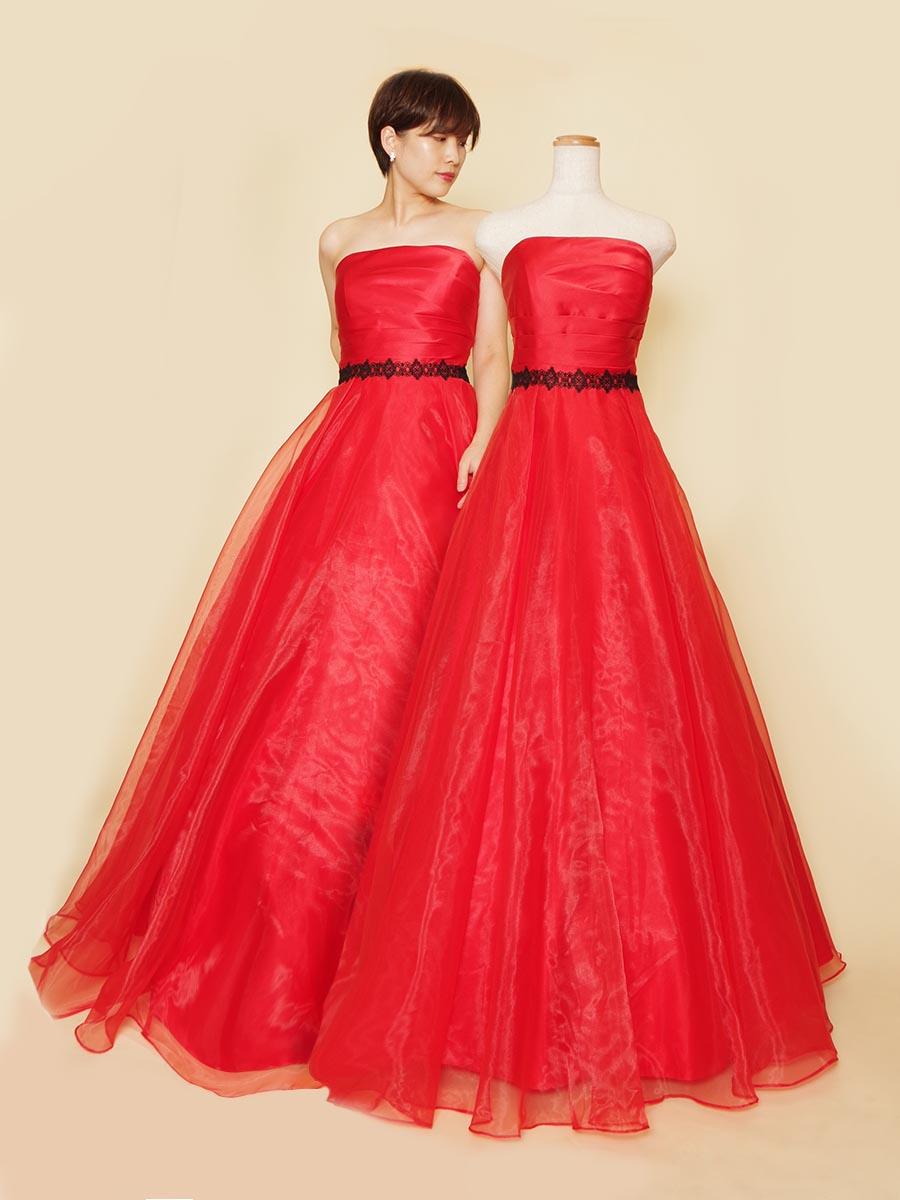 ヴァーミリオンレッドカラーの情熱的で魅惑的なオーガンジーボリュームドレス