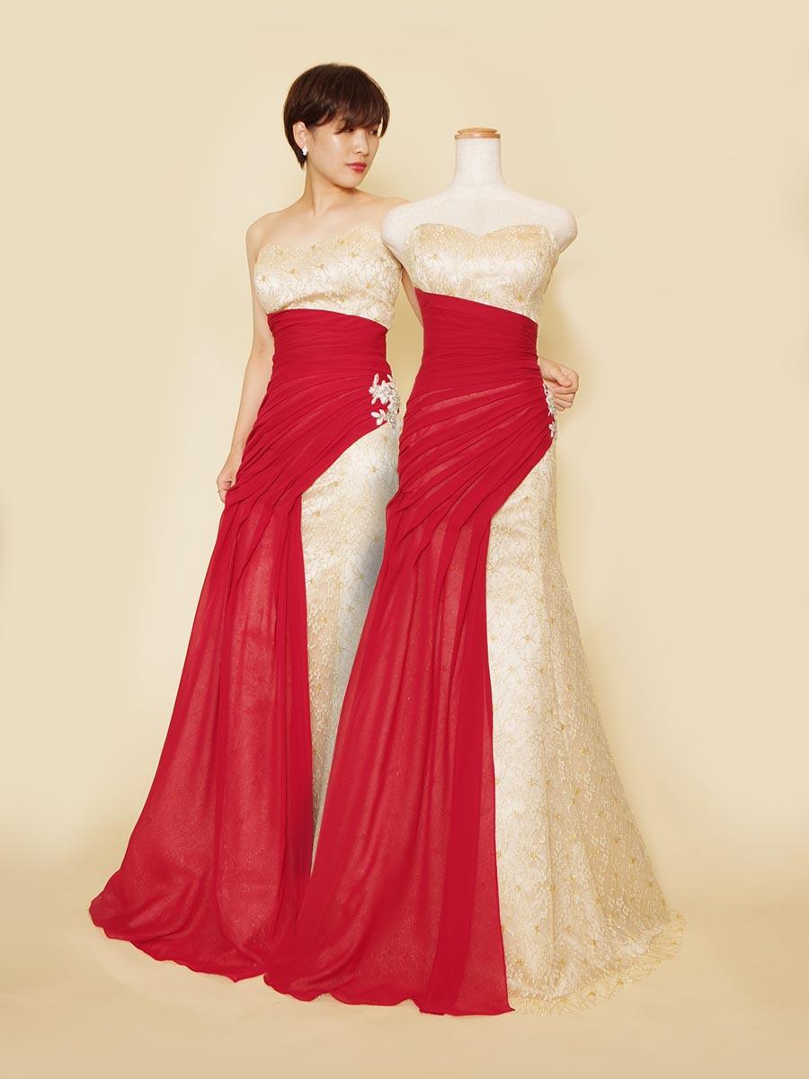 レッドとゴールドベージュを組み合わせのウエストギャザーで着た時の安心感があるマーメイドラインドレス