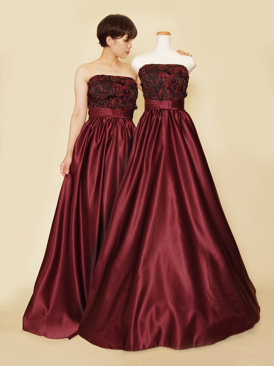 ブラック×ワインレッドが大人かっこいいコンサート向けロングドレス