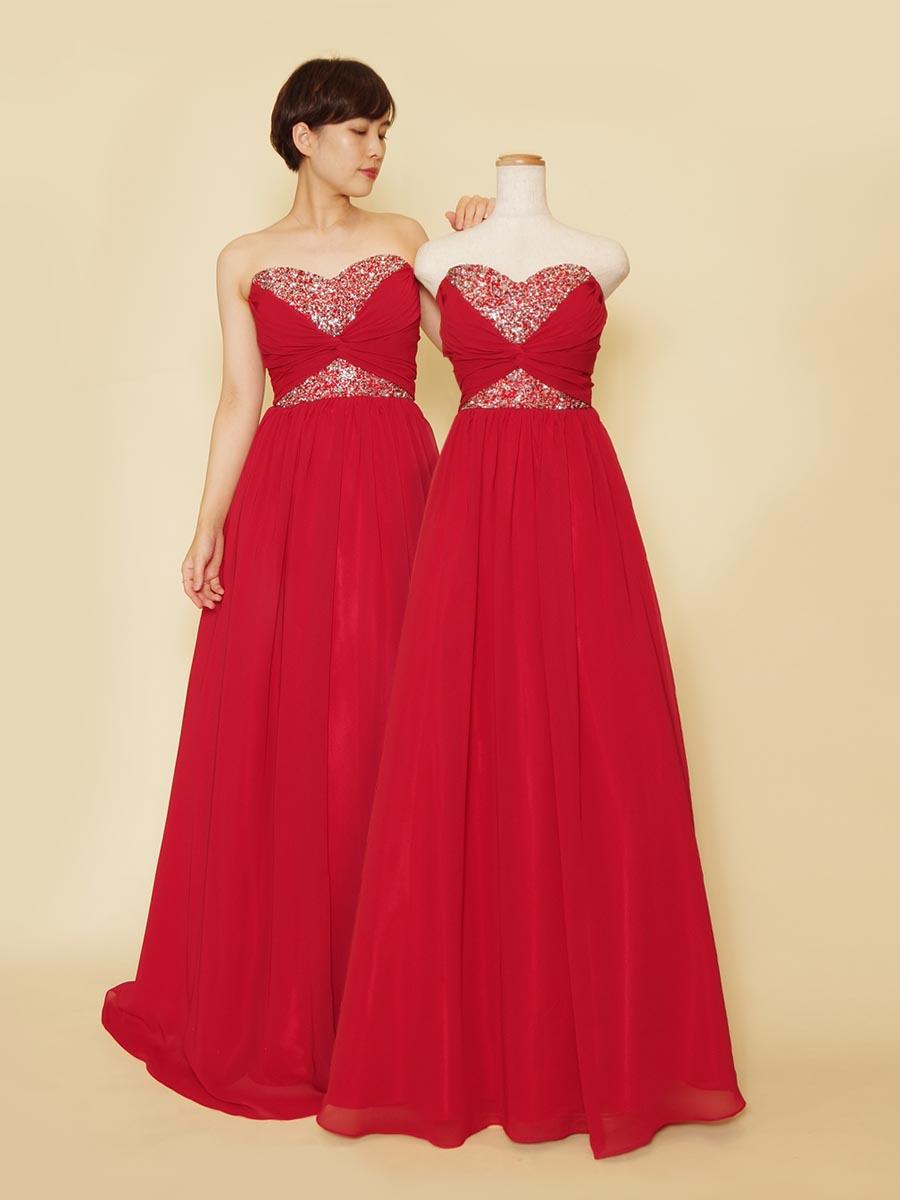 胸元の豪華な装飾がインパクト抜群のレッドカラーシフォンスレンダードレス