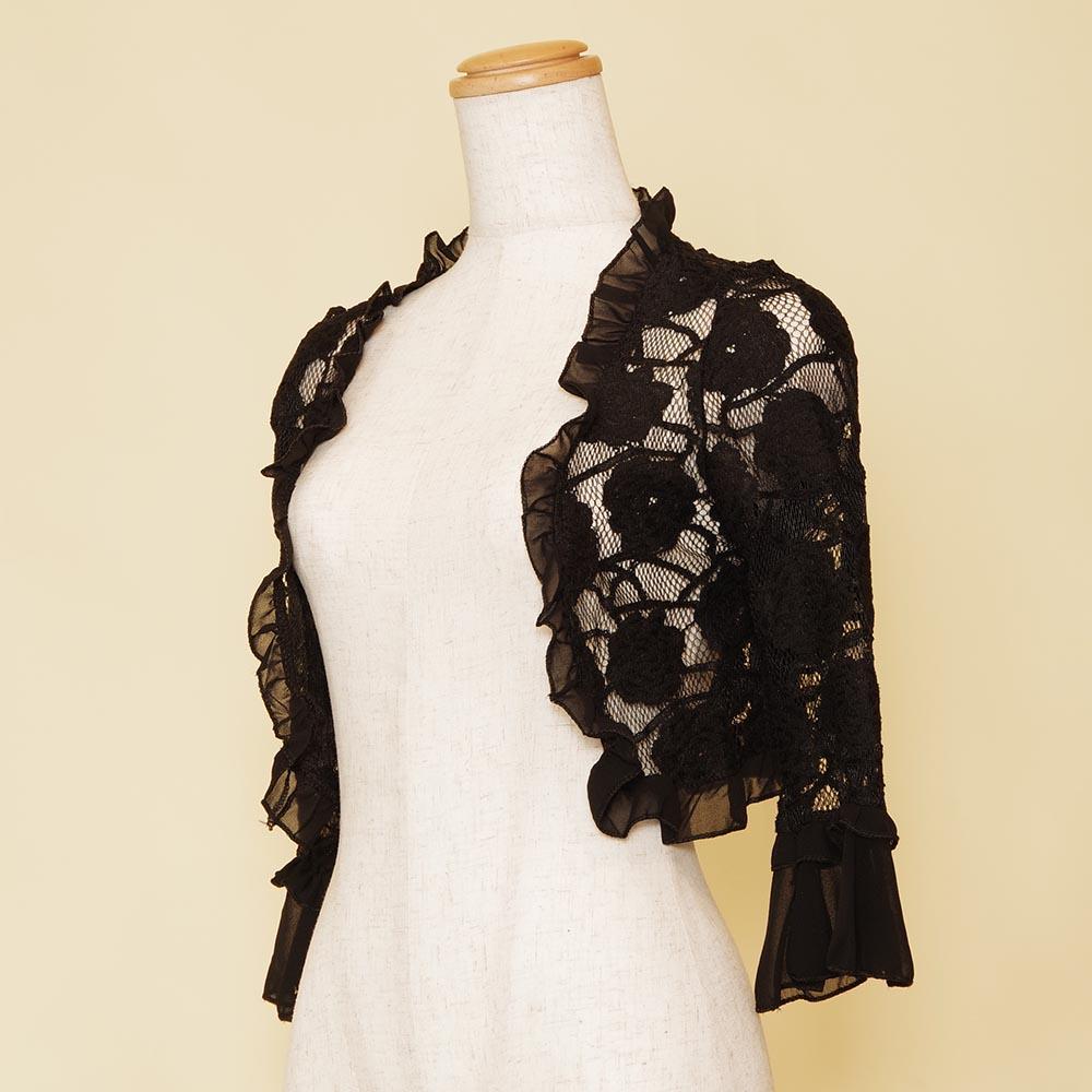ブラック長袖タイプの大ぶりな花柄刺繍が印象的なボレロ