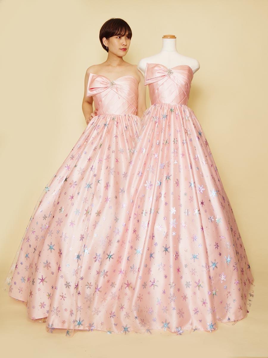 まるでキャンディーの様なポップでかわいいカラードレス