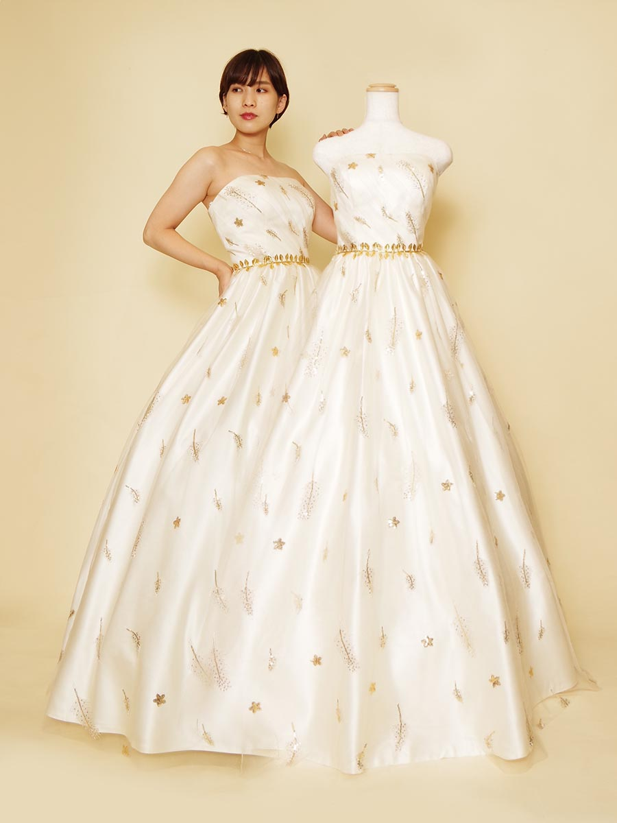 ホワイト×ゴールドがお洒落なアンティーク風ウェディング&ステージドレス