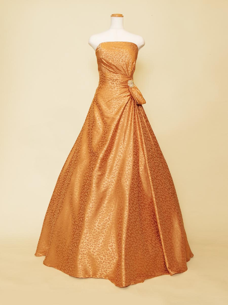 ヒョウ柄が個性的なブラウンゴールドミセスドレス