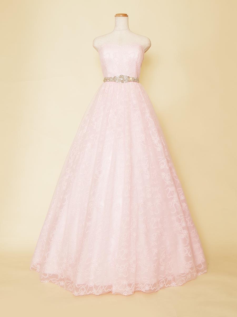 学生さんにオススメのビジューが煌びやかなベビーピンクのプリンセス風ドレス