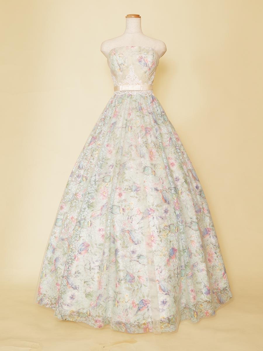 まるでお花畑のようなメルヘンAラインステージドレス