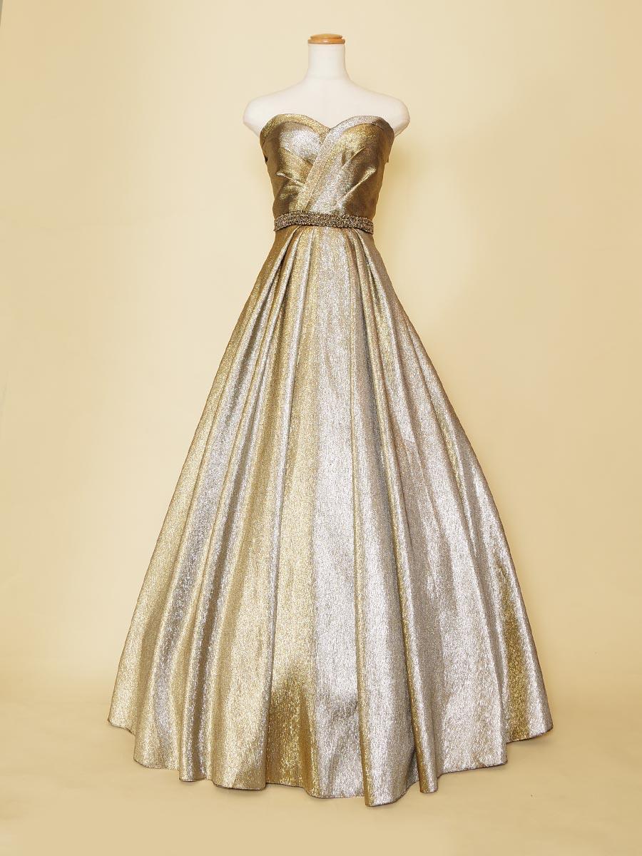 シャンソン歌手におすすめ!ブロンズカラーが煌びやかなステージロングドレス