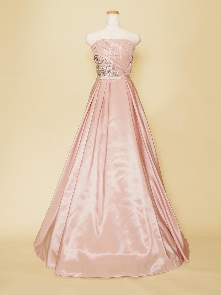 ウエストスパンコールが華やかなスモーキーピンクのスレンダードレス