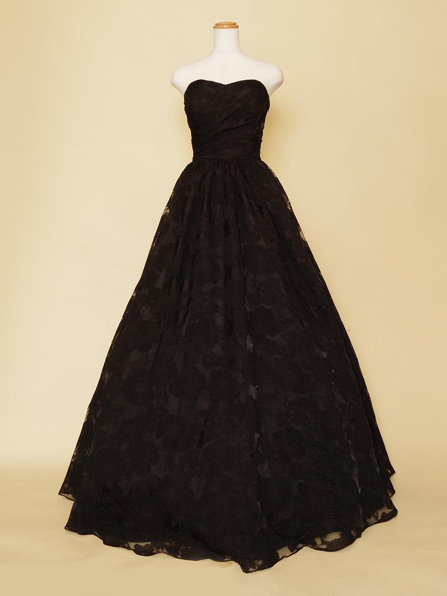 大判の花柄チュールが大人なブラックカラードレス