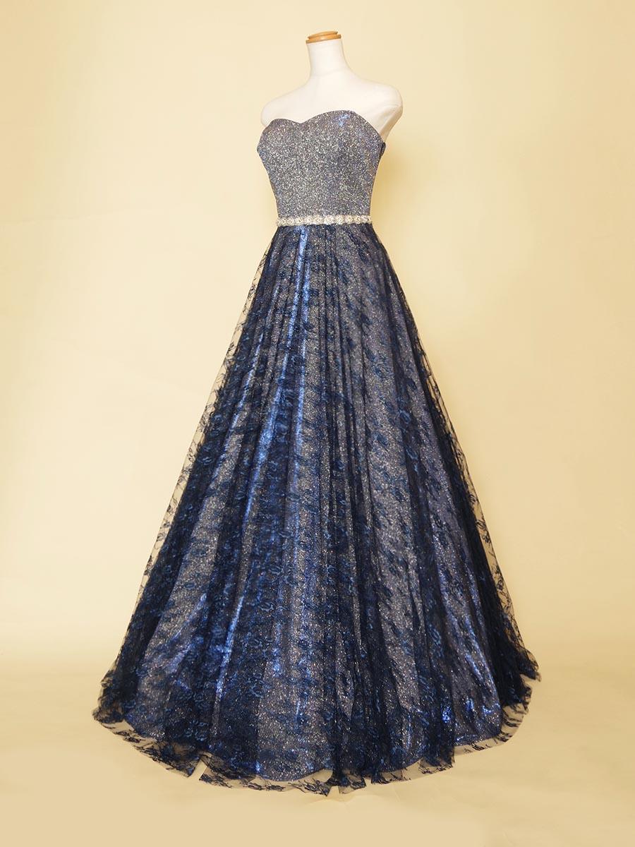 キラキラスパンコールドレスをベースにネイビーレースをスカートに重ね合わせた煌びやかなAラインドレス