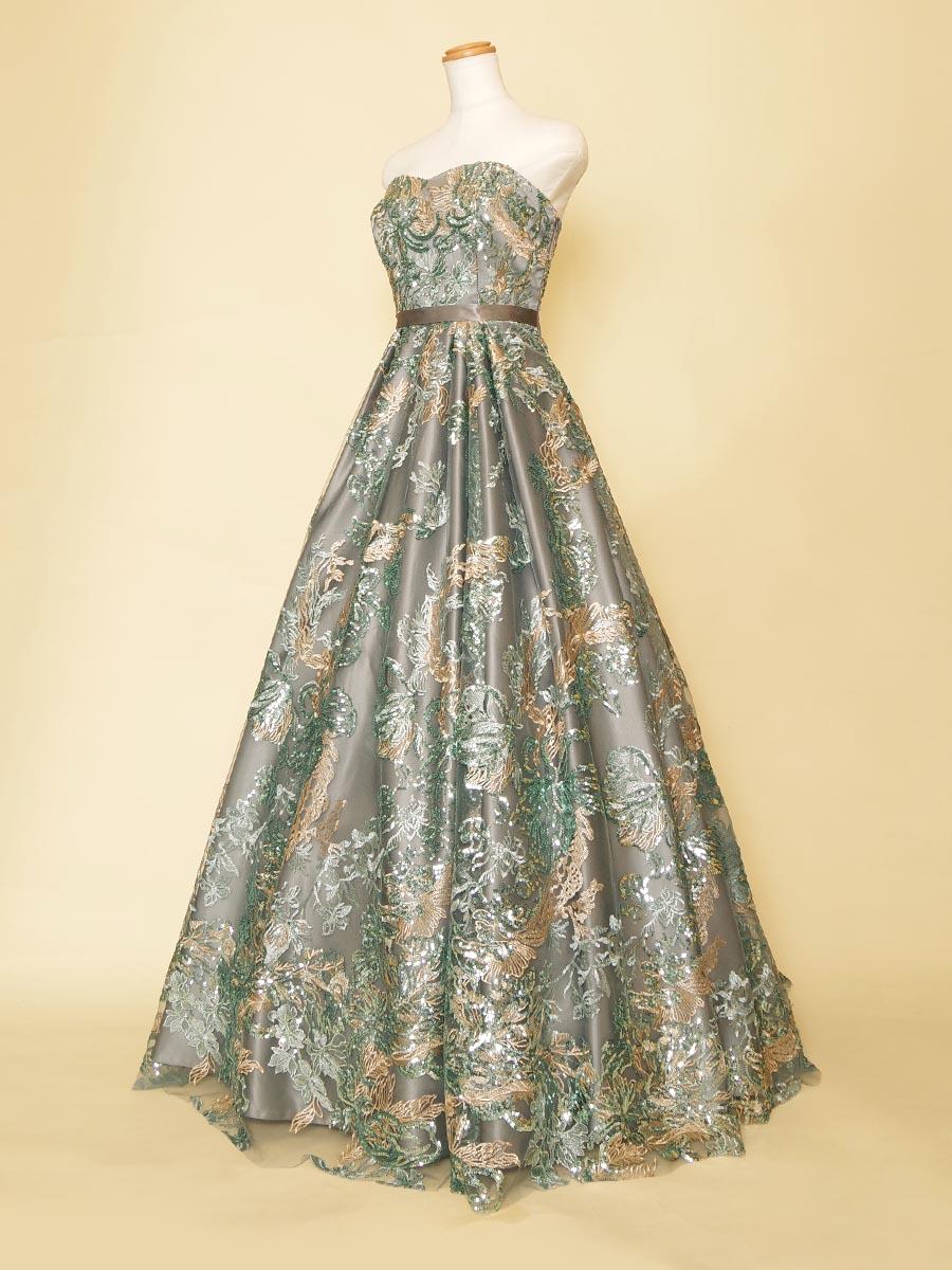 フラワー刺繍にスパンコールが大人なリゾート風グリーンカラーAラインドレス