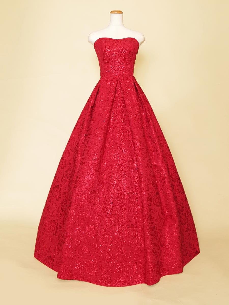 クリスマスコンサートにオススメな真紅のレッドジャガードドレス