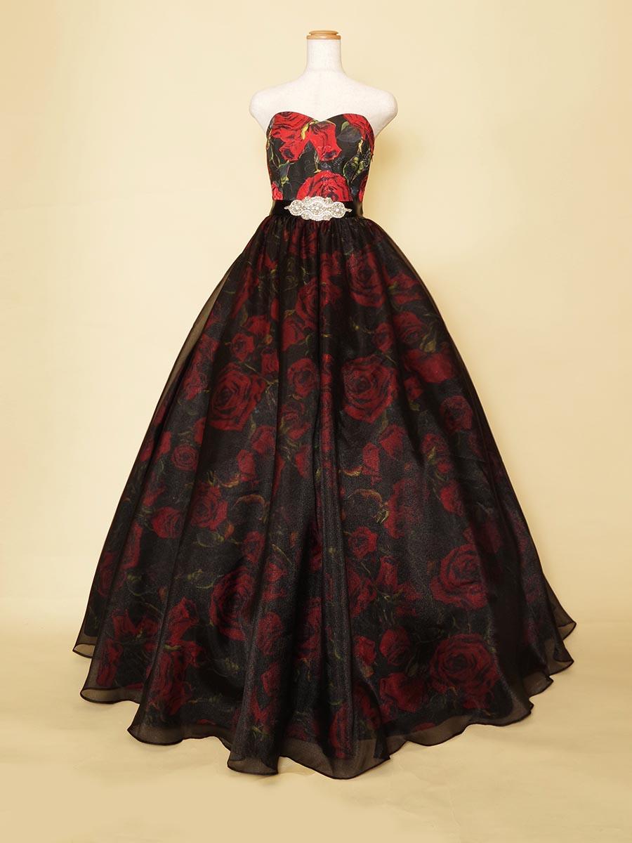 真っ赤な薔薇柄がゴージャスな存在感のあるソロ演奏向けステージボリュームドレス