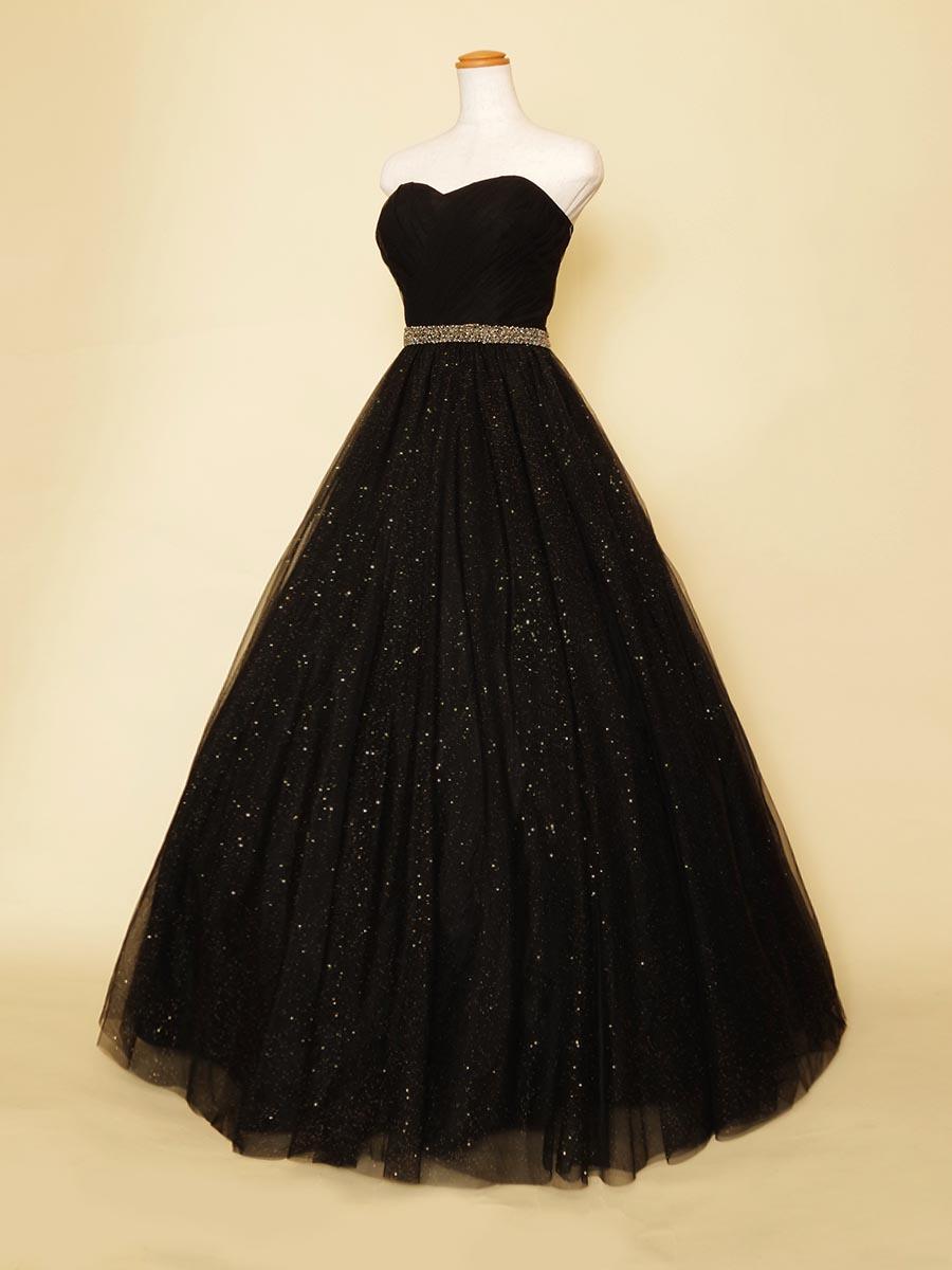 ジャズ奏者にオススメのゴールドラメがクールなブラックカラーのスレンダードレス
