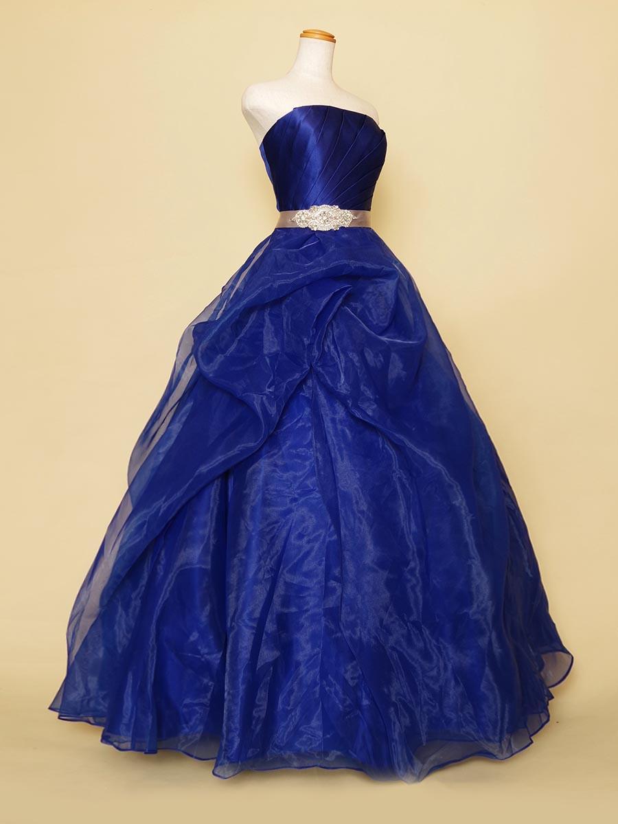 ドレープボリュームのロイヤルブルーオーガンジーステージドレス