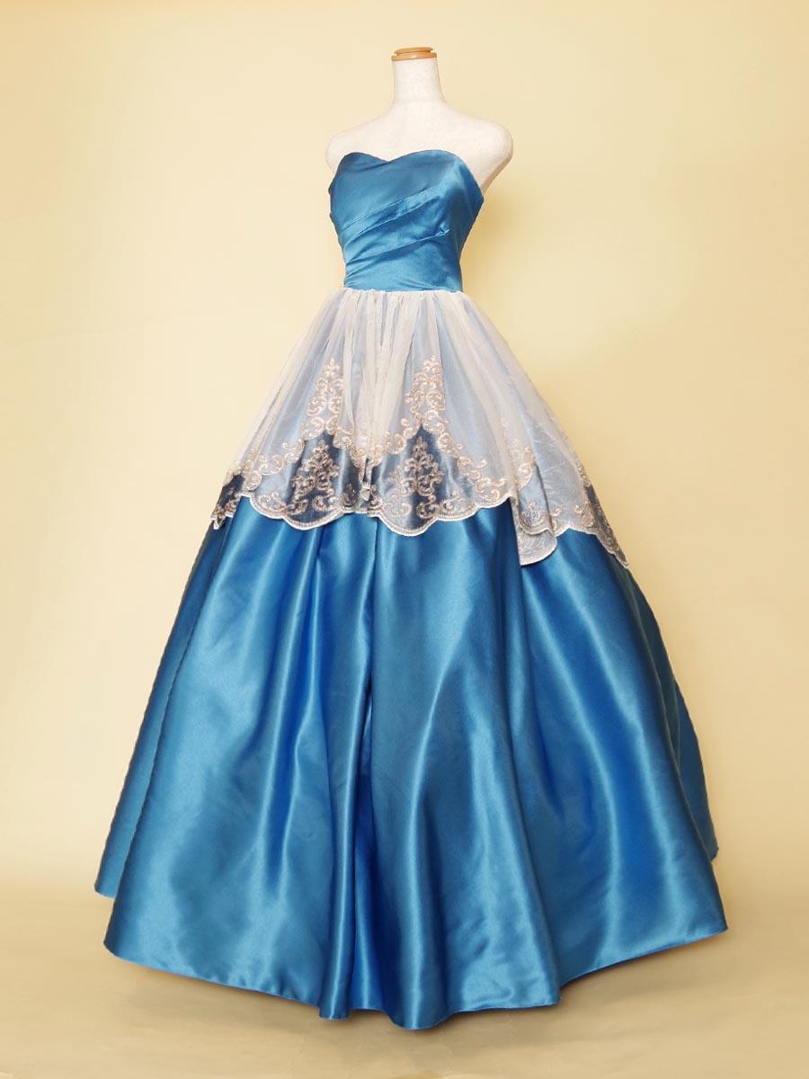 カットスカートのデザインチュールが上品なセルリアンブルーのプリンセス風ドレス
