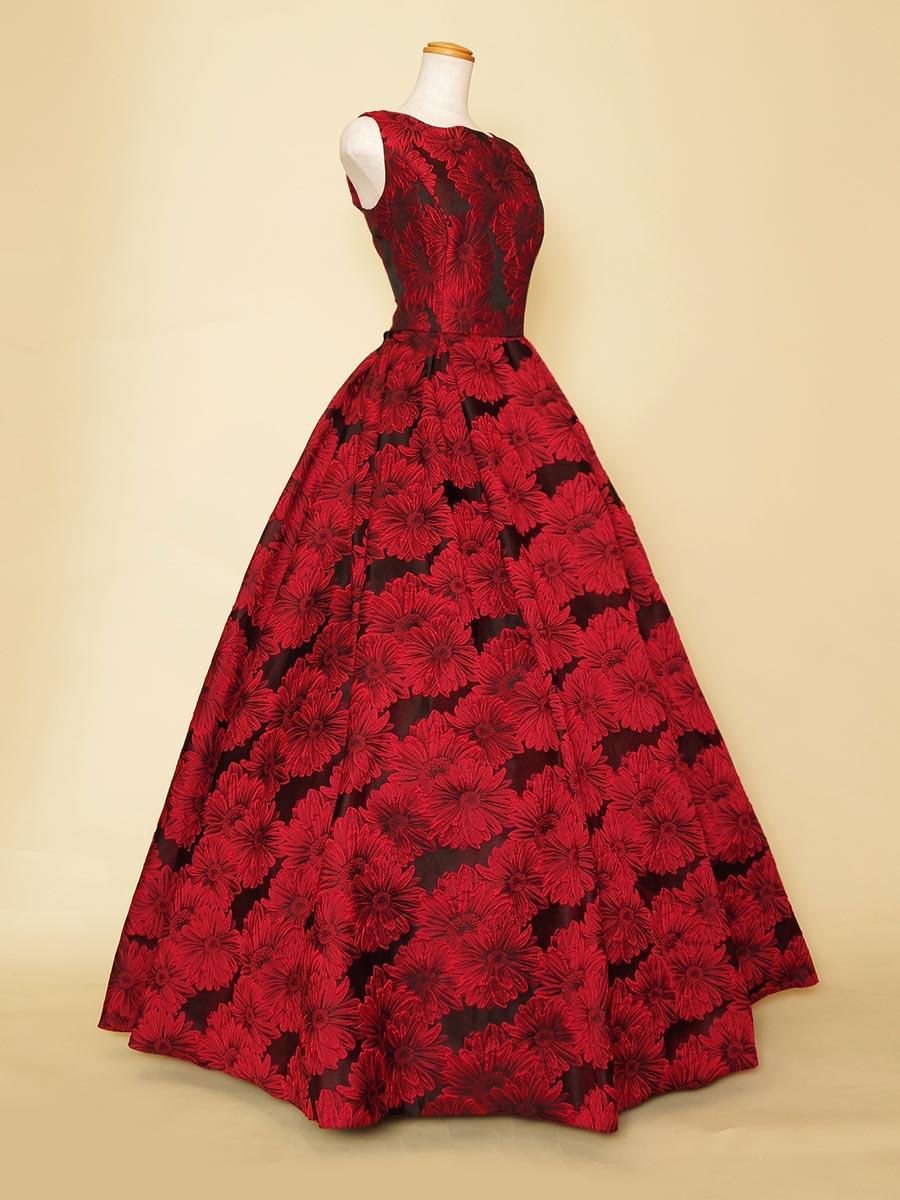 上品な袖付きデザインのワインレッドフラワージャガードロングドレス