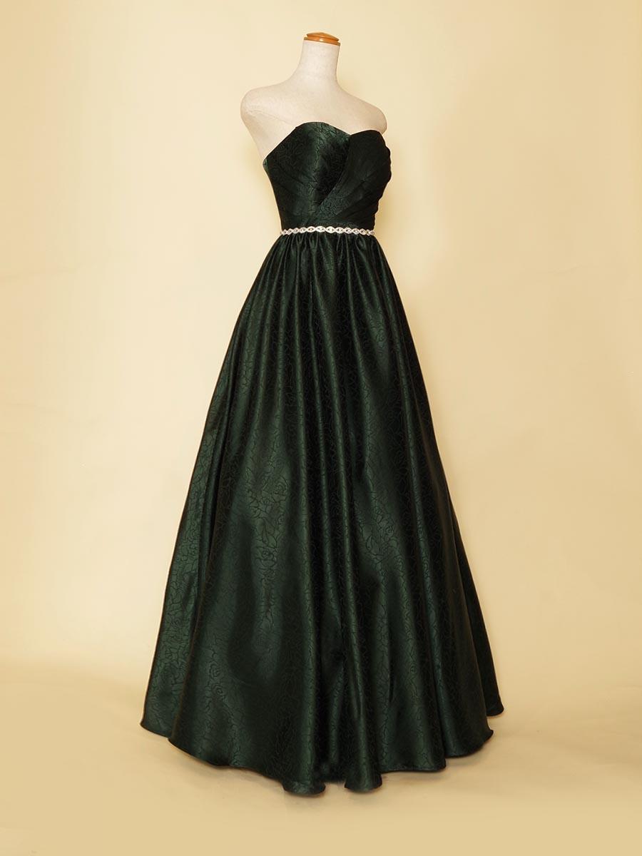 ダークグリーンカラーがオシャレなカッコよさを表現したナチュラルボリュームドレス