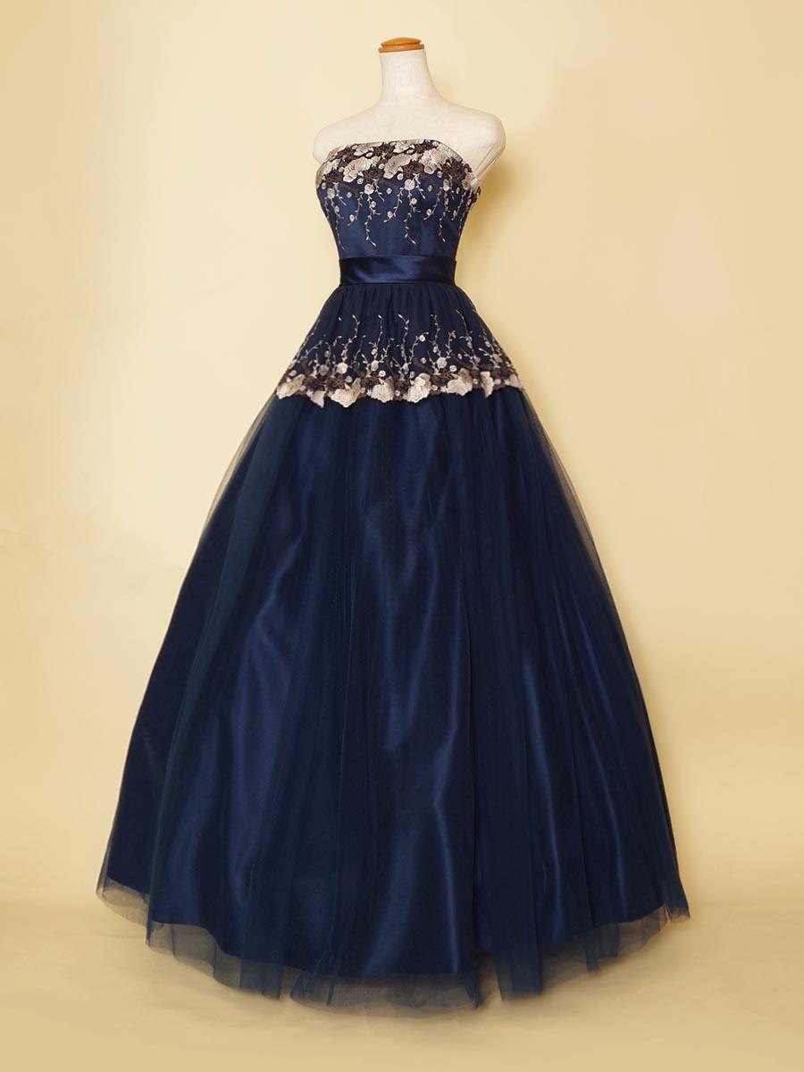 2層のチュール刺繍デザインのクラシカルな趣のあるオペラでも使える演奏会ロングドレス