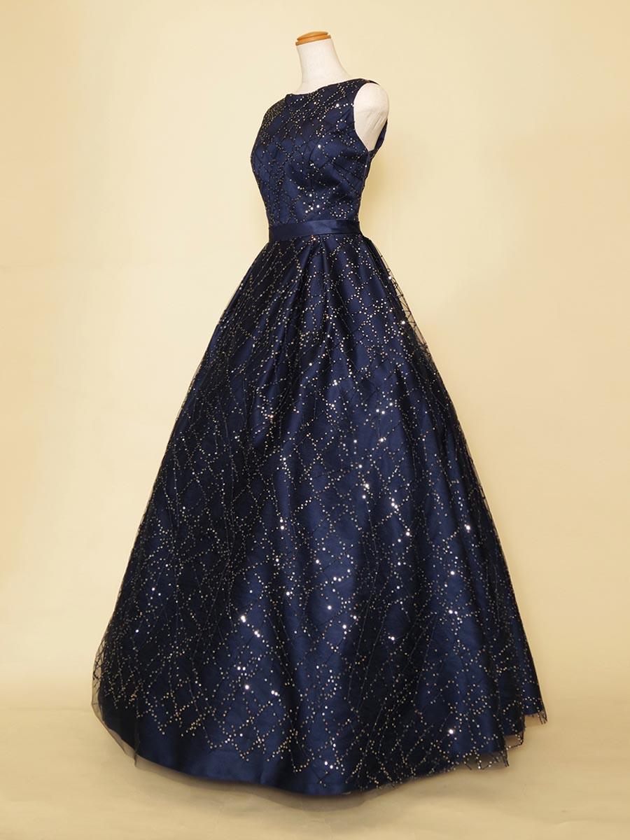 夜空に降る流星群のような肩袖ボリュームドレス