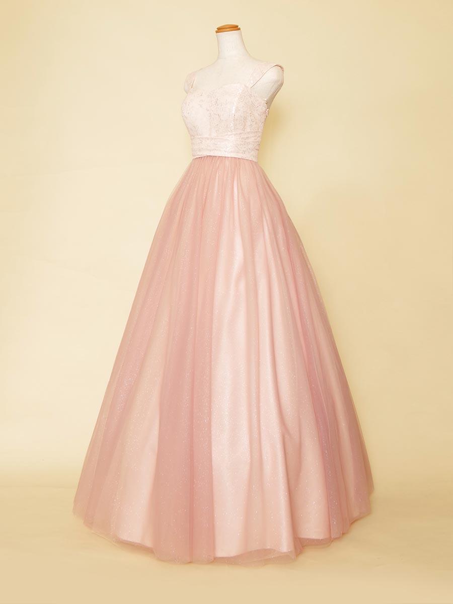 パステルピンクの女の子らしさ満点の肩付きキラキラスカートロングドレス
