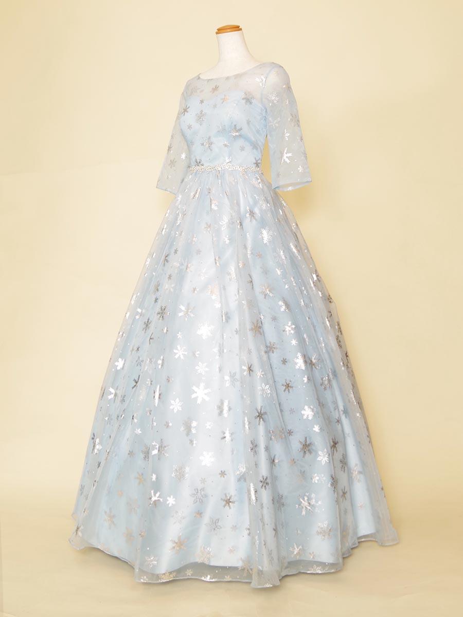 まるで雪の女王!?スカイブルーの五分袖演奏会用ドレス