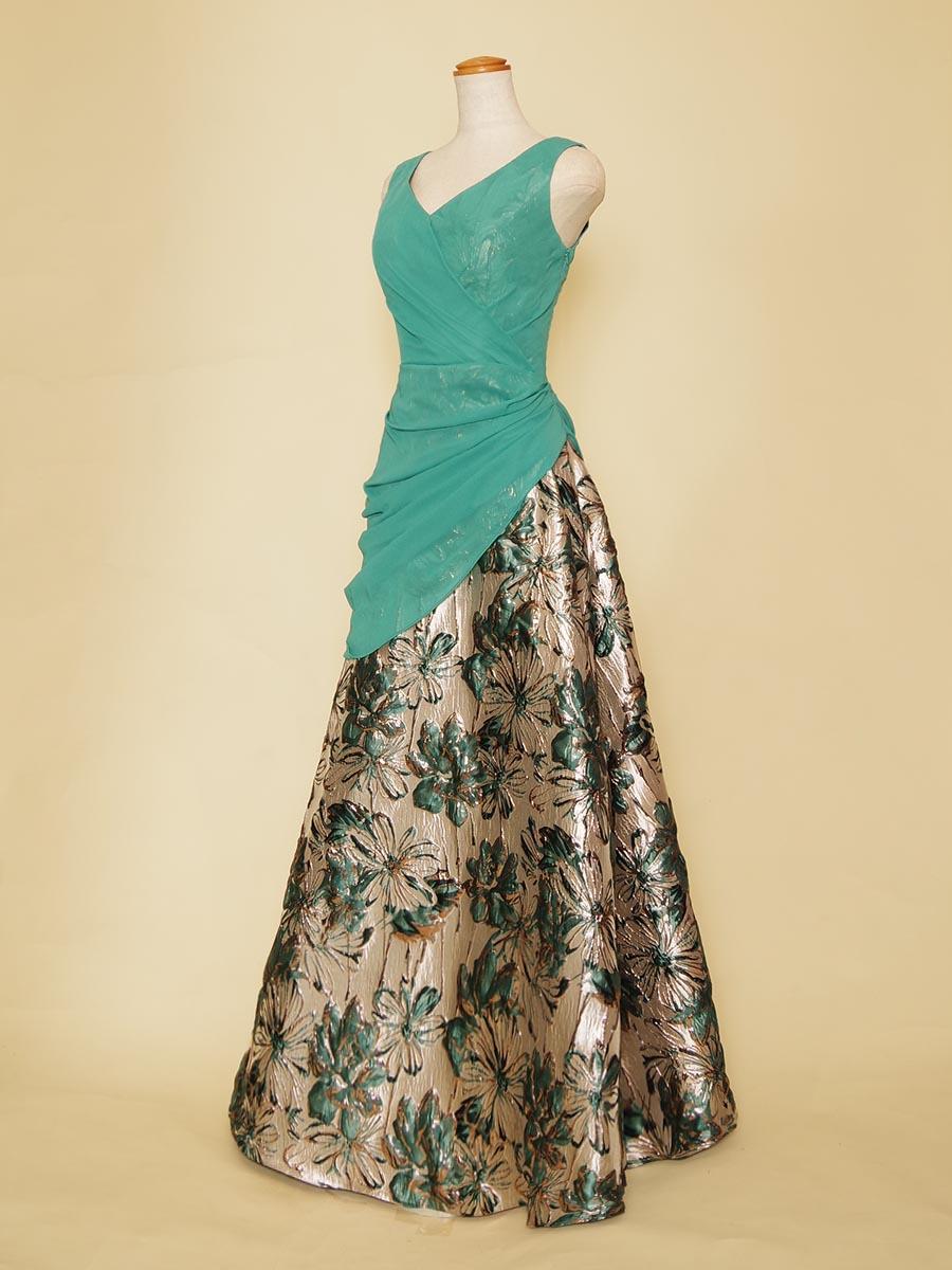 ジャガード×シフォンのアシンメトリーなデザインがオシャレなグリーンカラースレンダーラインドレス