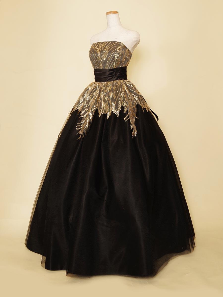 ブラック×ゴールド刺繍が大人かっこいい演奏会用ボリュームラインドレス