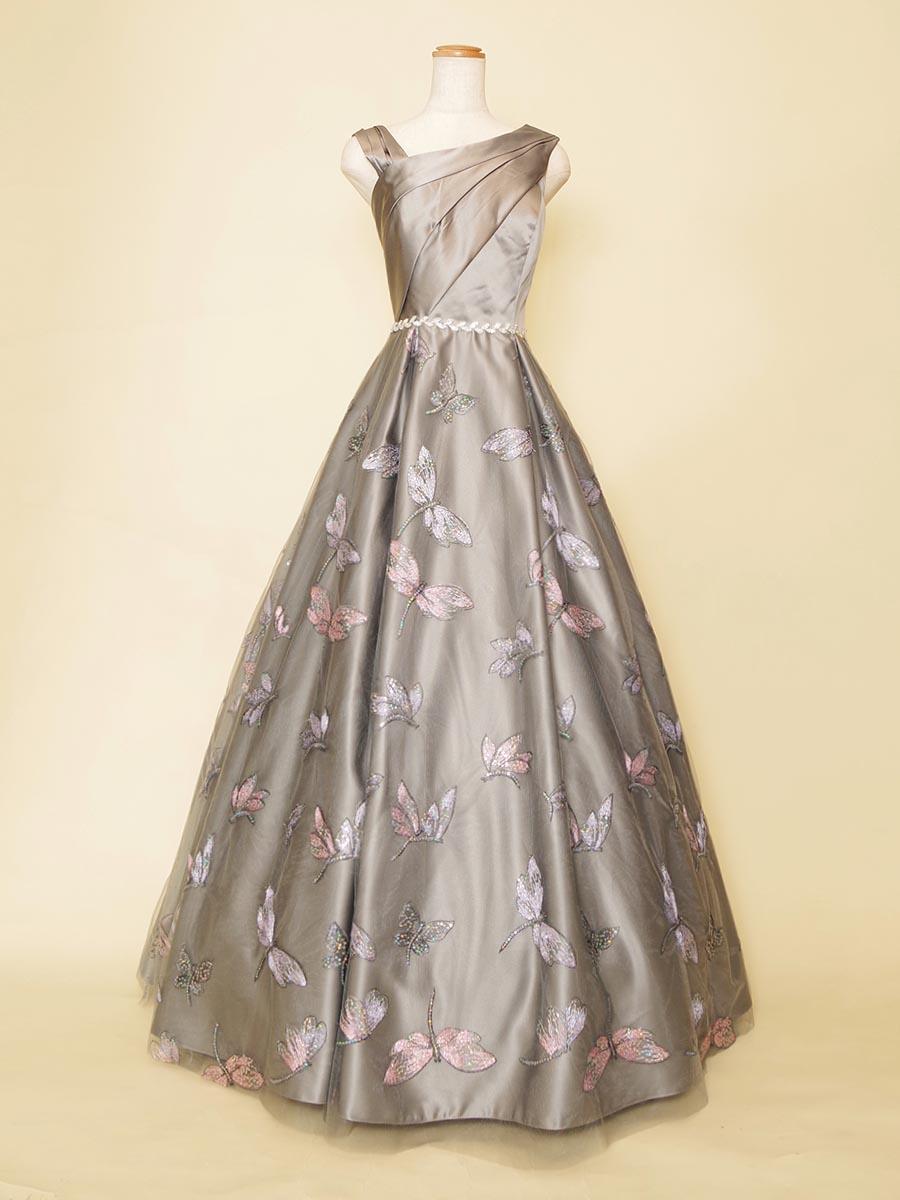 可愛らしいトンボ柄が特徴のアシンメトリーショルダーのドレス