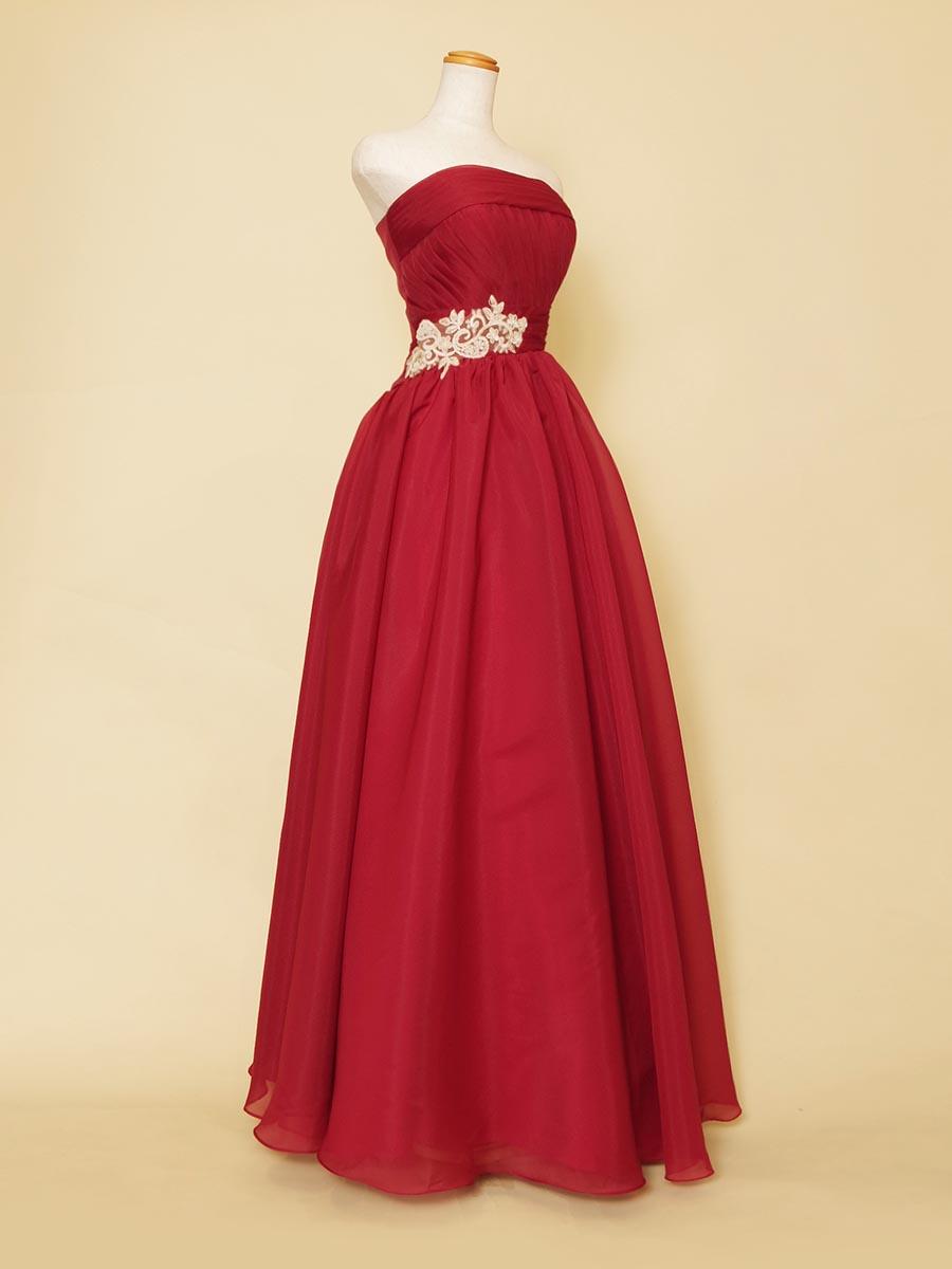 ふわっと優しいワインレッドのラメ入りオーガンジードレス