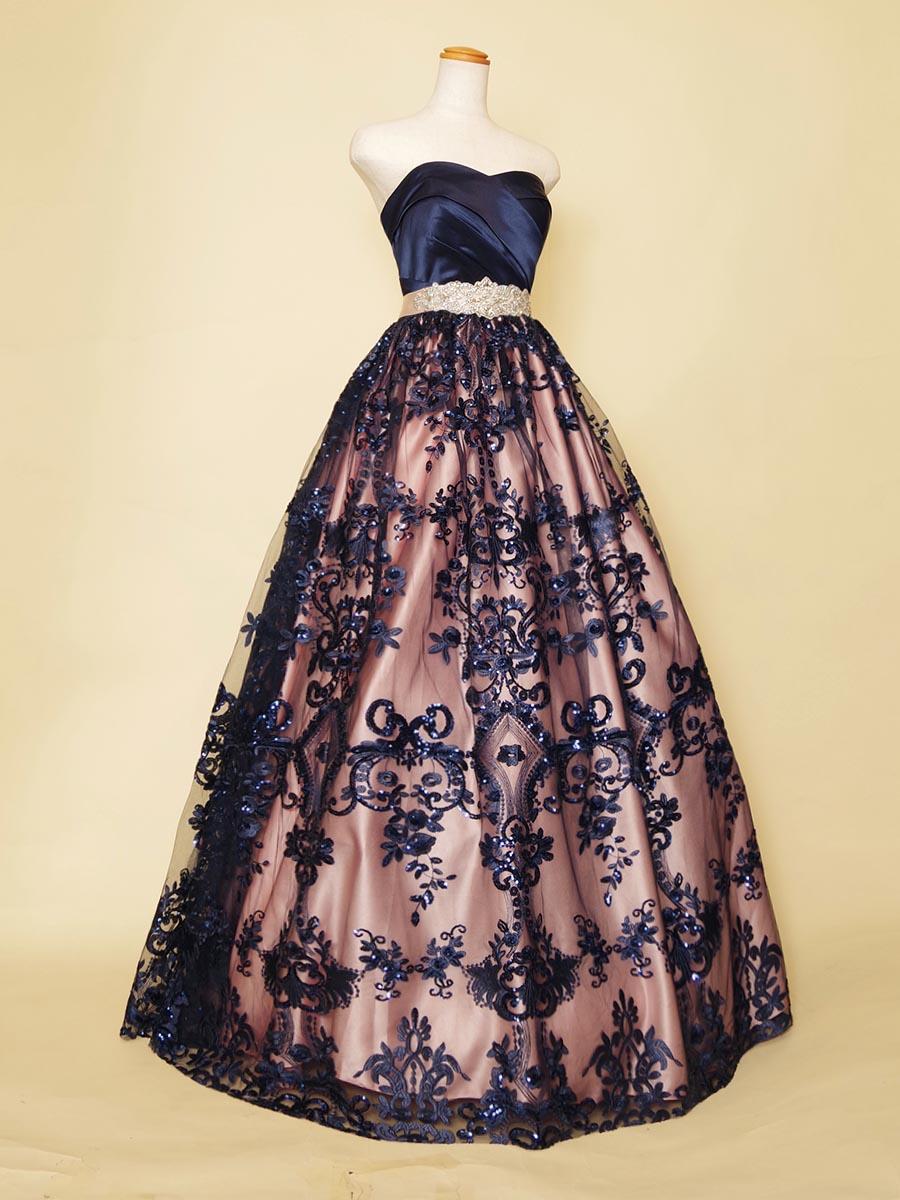 ネイビースパンコール×ピンクサテンのキュートさとカッコよさを組み合わせたステージボリュームドレス