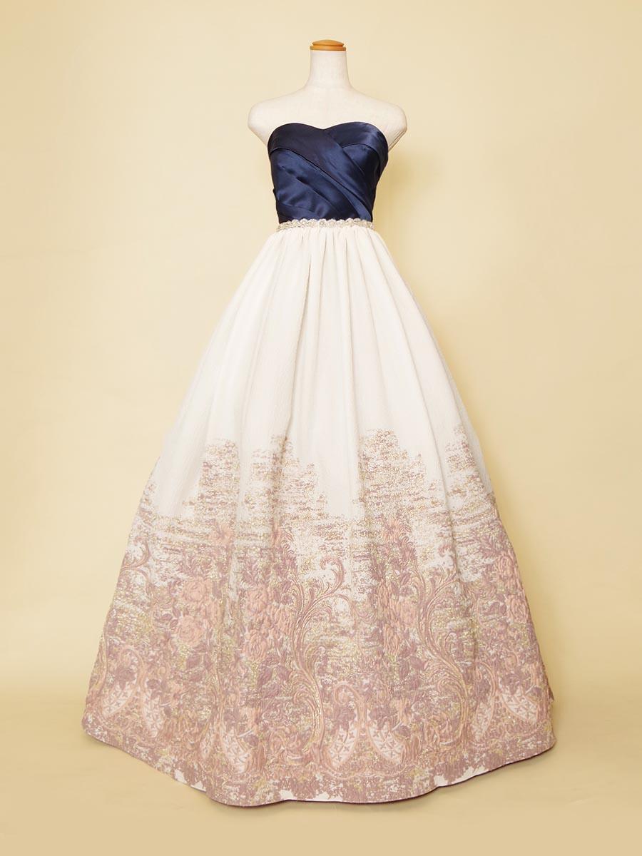 ネイビーサテントップにグラデーションデザインスカートを組み合わせた個性的な演奏会ロングドレス
