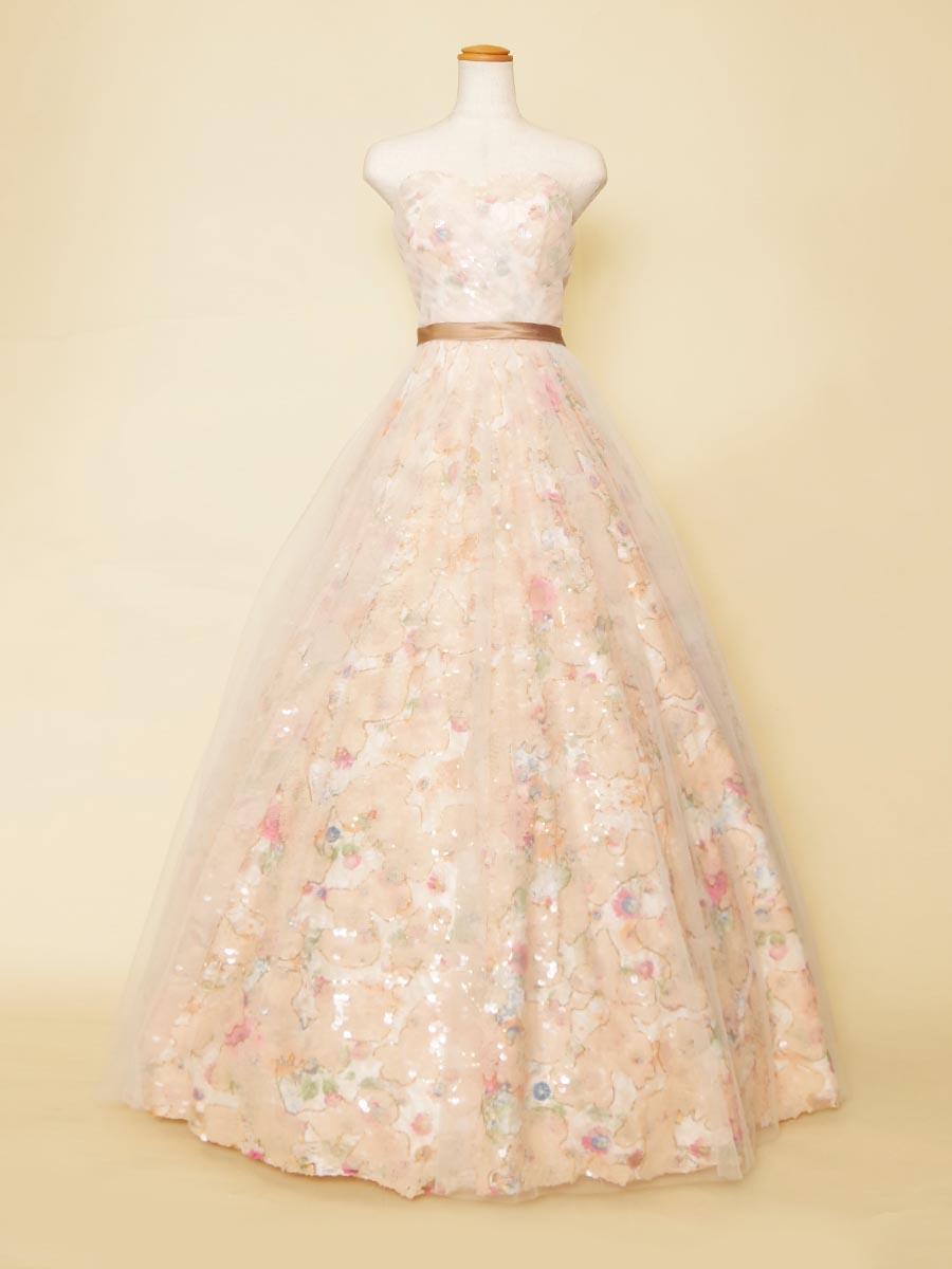 総スパンコールに優しい色合いのチュールを重ね合わせた優しい輝きを放つパステルステージドレス