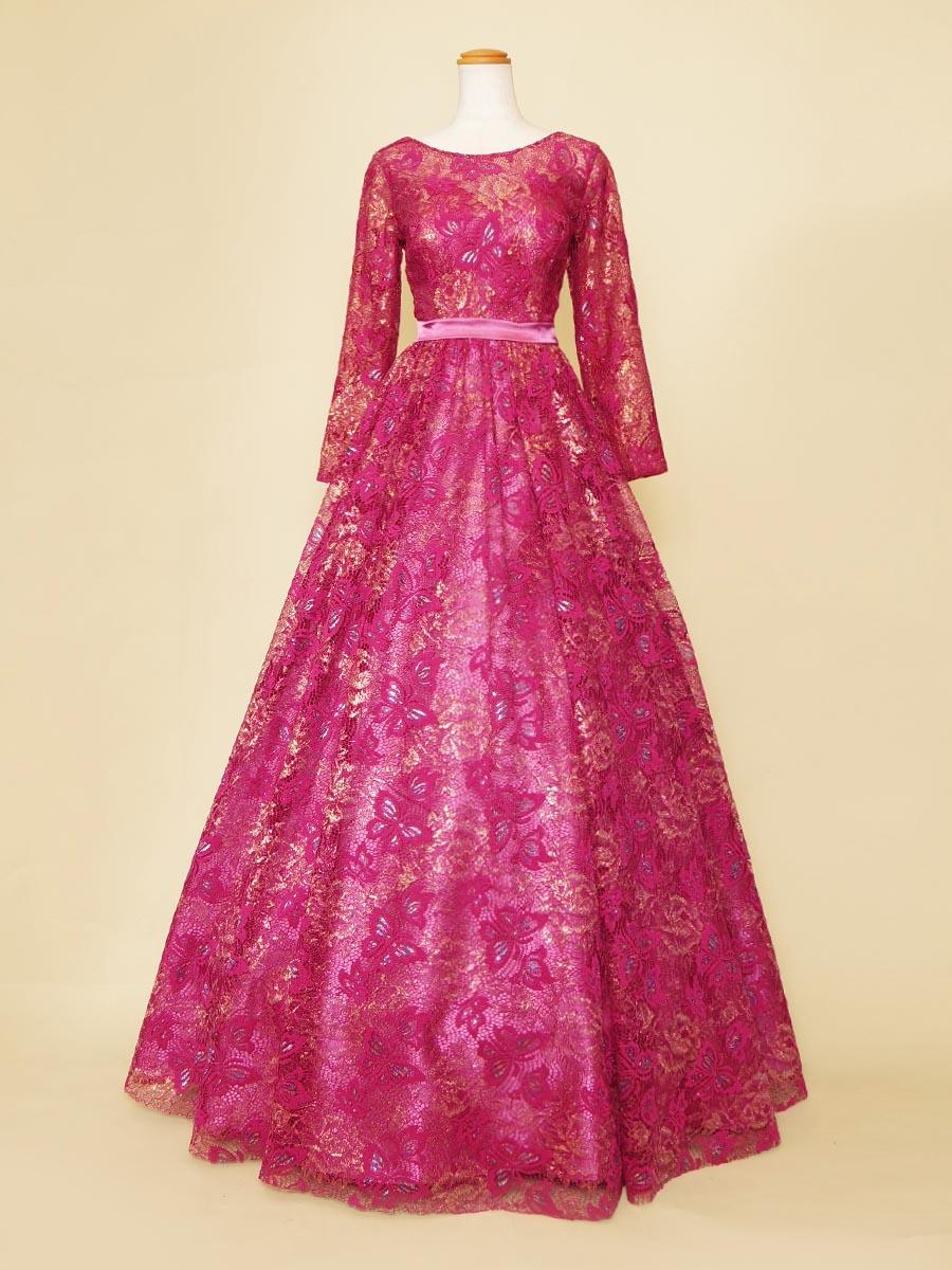 長袖デザインのローズピンクカラーにゴールドなどのカラーを加えた演奏会ロングドレス