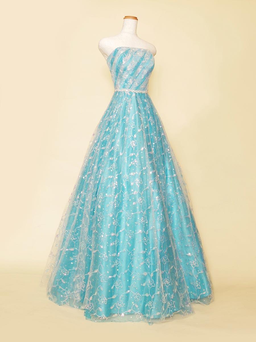 キラキラブルーが涼しげで可愛い!スパンコールで包み込んだAラインシルエット演奏会ドレス