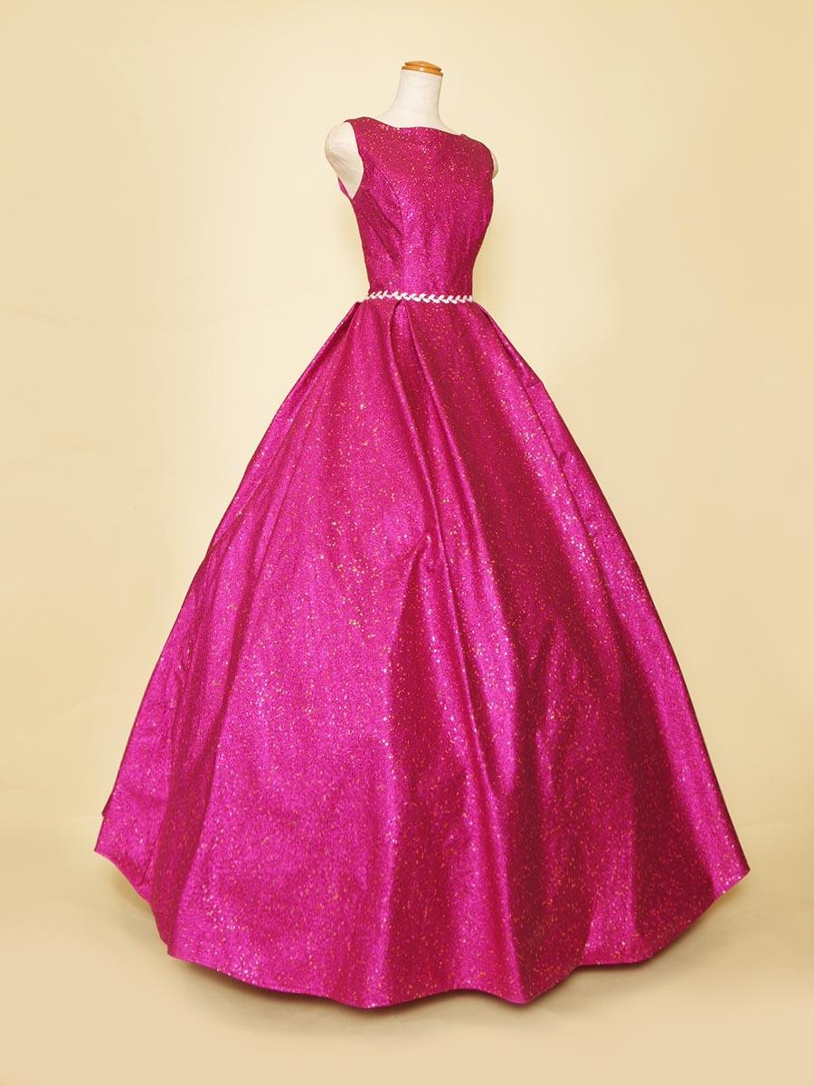 グリッターっぽいけどキラキラが落ちない!ビビットピンクが存在感を際立たせてくれるボリュームロングドレス