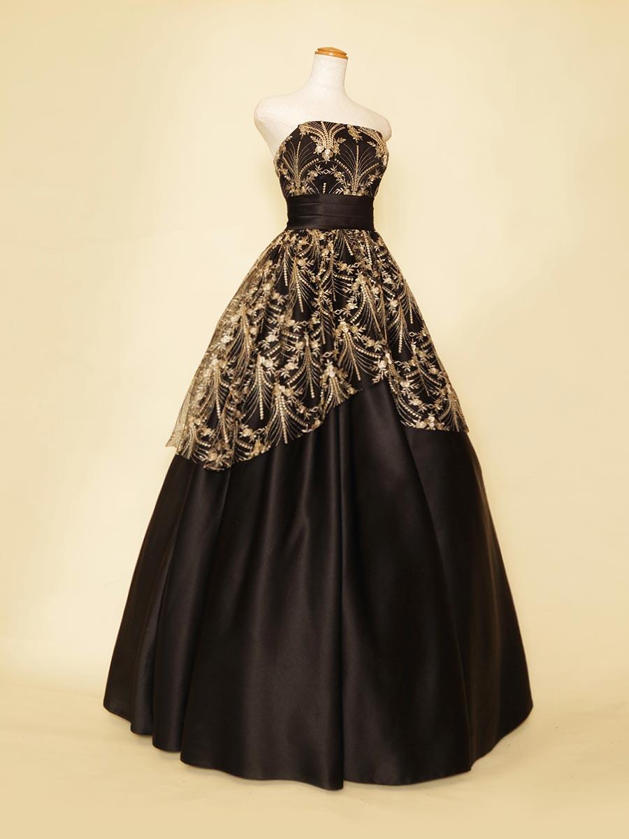 ゴールド刺繍チュールのドレープデザインがエレガントな演奏会向けブラックカラードレス