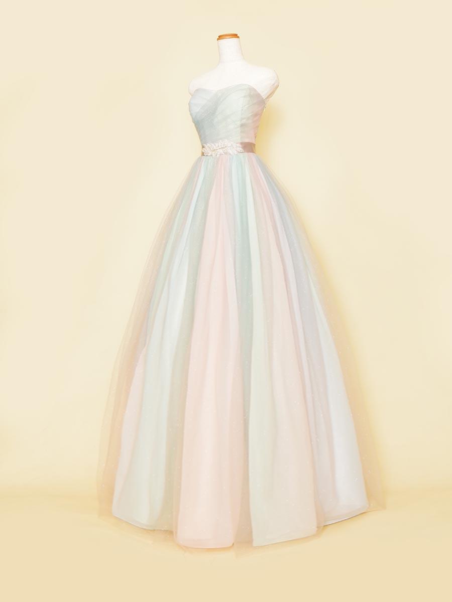 パステルグラデーションのブルーとピンク、グリーンを織り交ぜたカラフルボリュームドレス