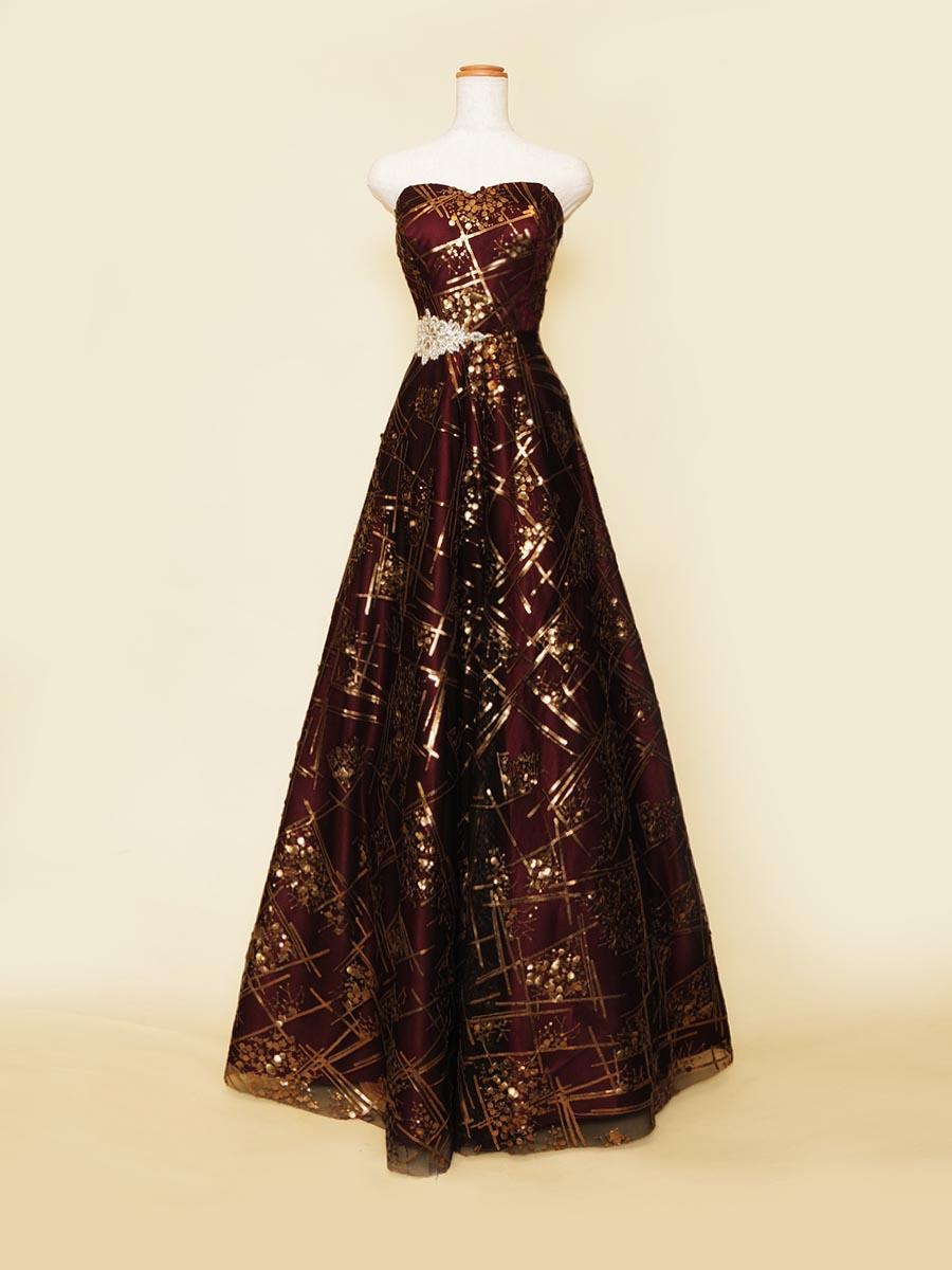 深い色合いのワインレッドにブロンズスパンコールデザインを織り交ぜたAラインシルエットステージドレス