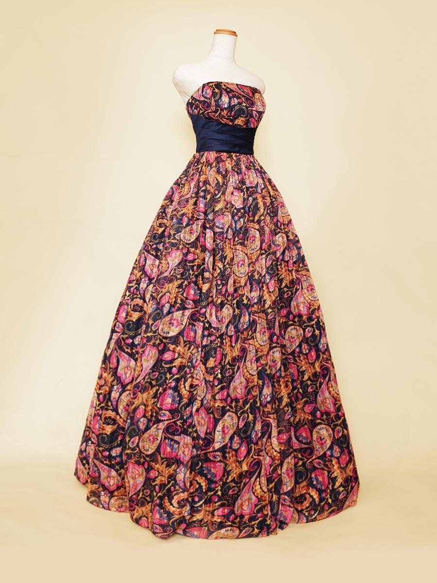 ハイウエストリボンデザインの脚長効果のあるボリュームペイズリーレッドドレス