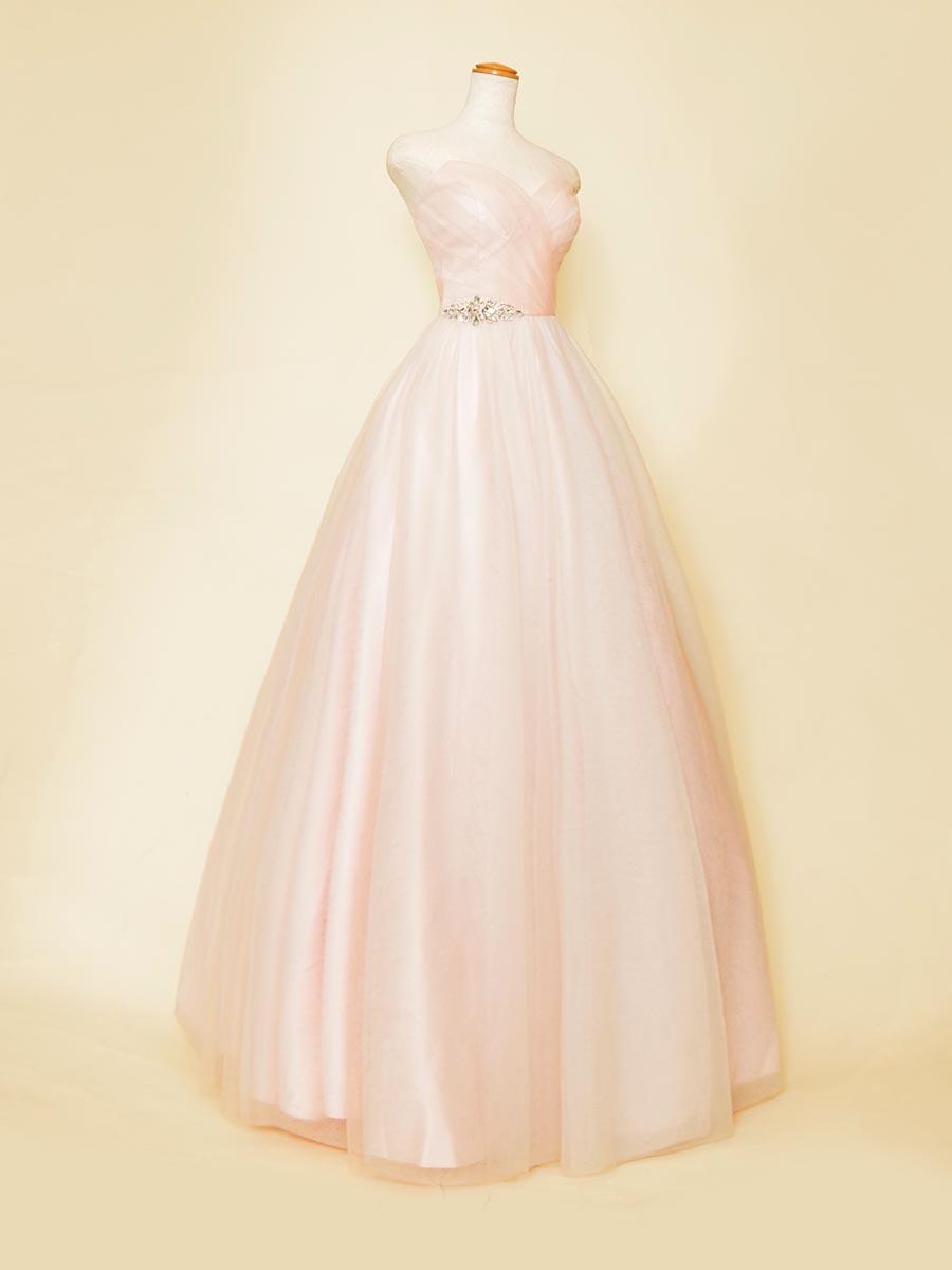ソフトな肌なじみの良いお姫様カラーのピンクボリュームステージドレス