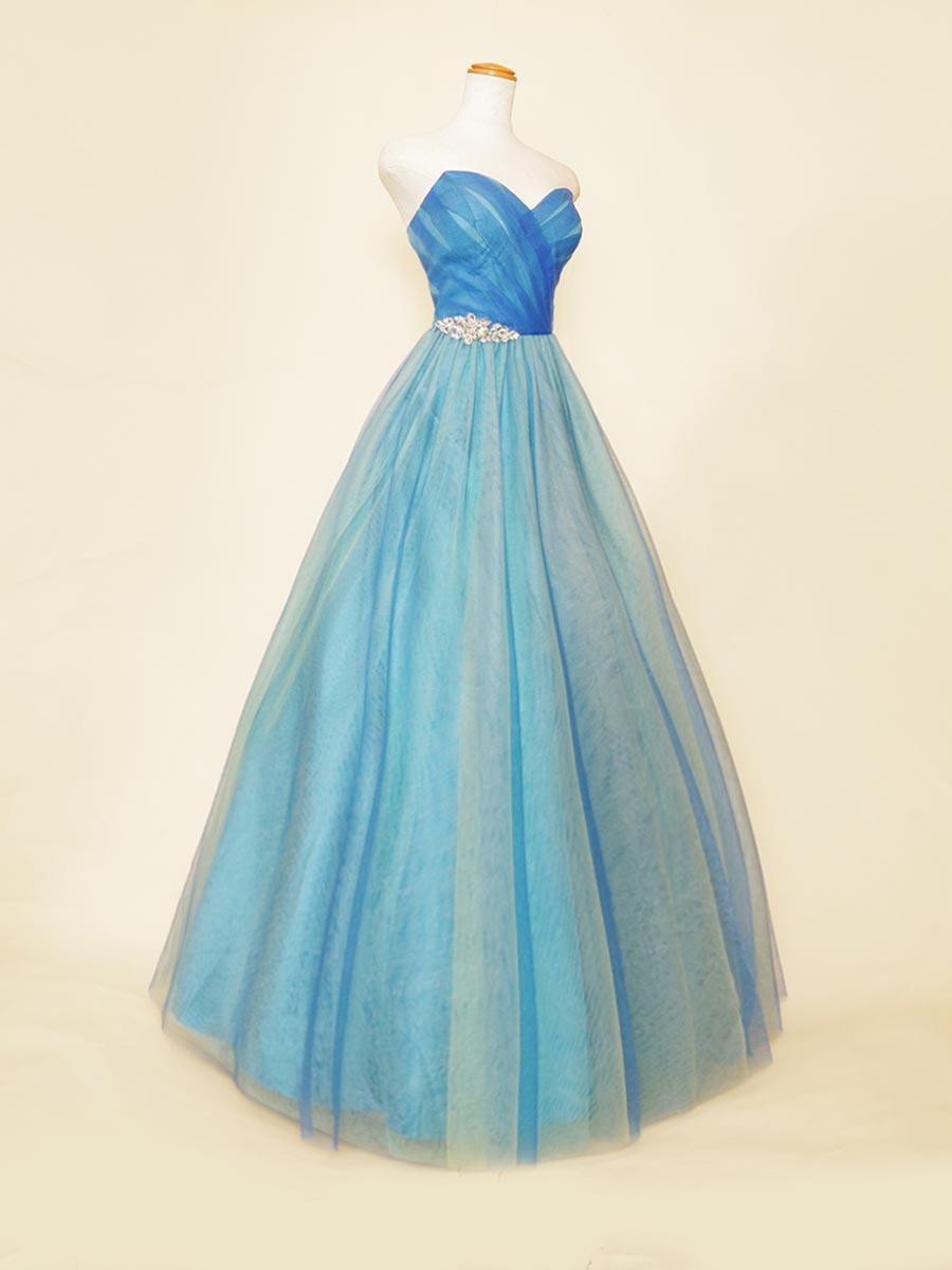 マカロン配色でデザインされたブルーチュールボリュームドレス