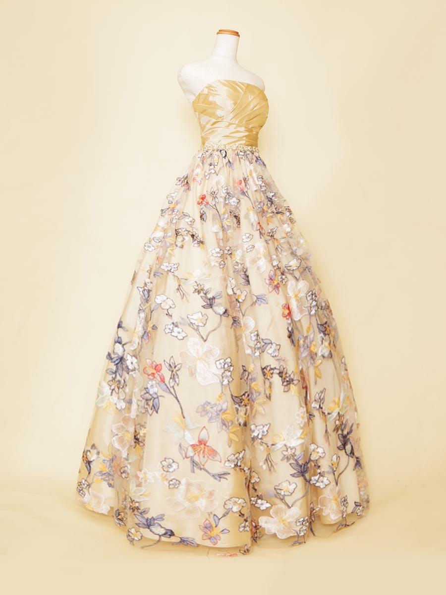 ベージュイエローにカラフル刺繍生地を重ね合わせたステージを華やかに演出出来るカラーロングドレス