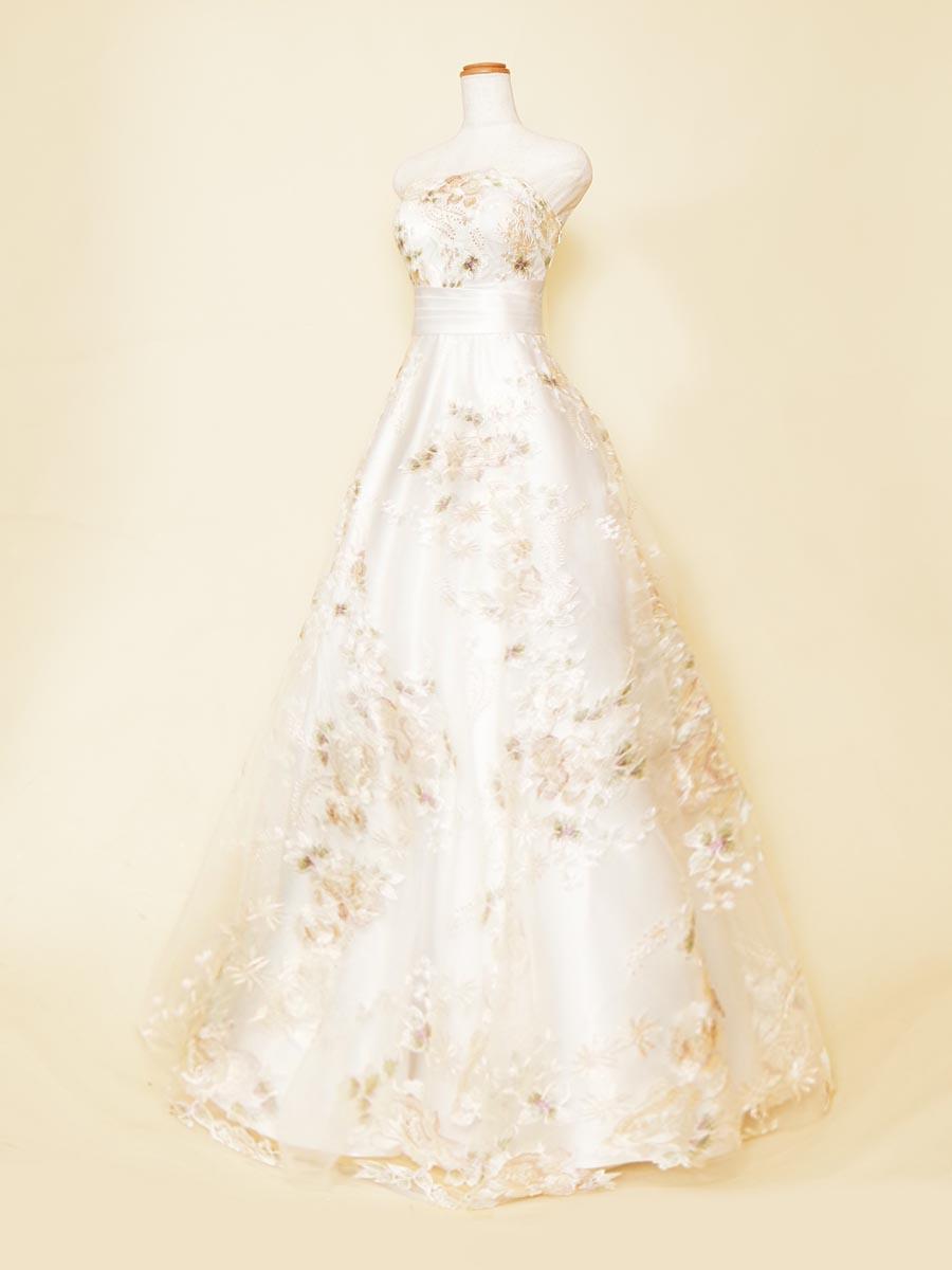 透明感ある白を基調にしたイエローフラワーレースの円やかな明るさを持たせた演奏会ロングドレス