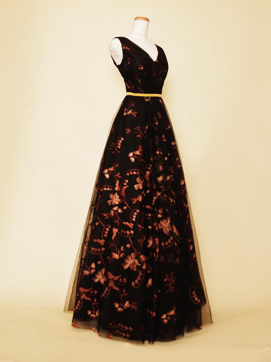 ブラックチュールでコッパーカラーのフラワー生地を覆ったデザインの肩袖デザインのコンサートロングドレス
