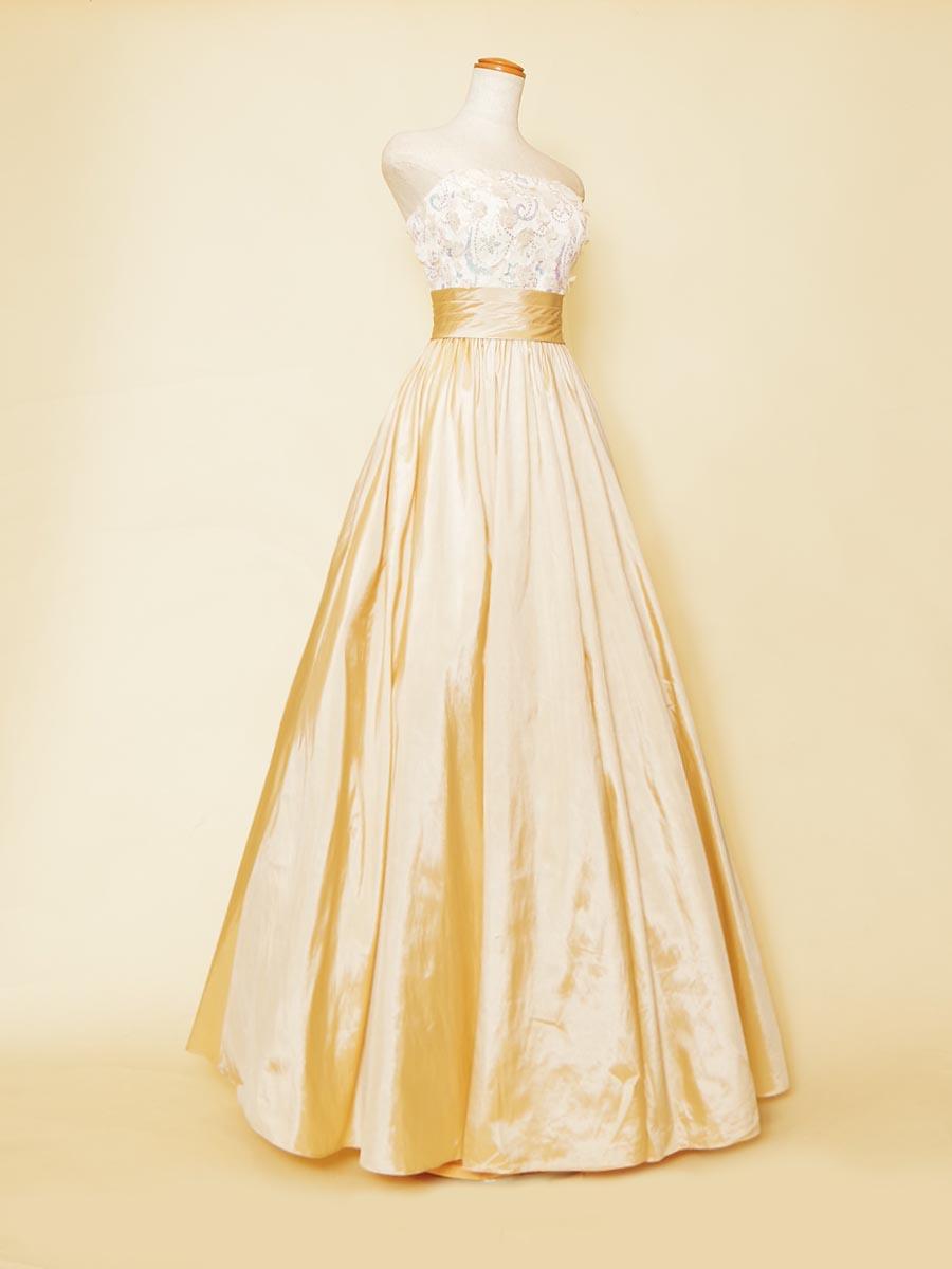 優しい色合いのパステルイエローカラーのタフタスカートがカワイイ!スッキリボリュームステージドレス